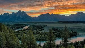 Wyoming travel security images 4 reasons jackson hole should be your yellowstone base camp jpg