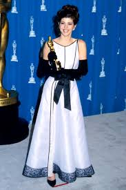 marisa tomei my cousin vinny jumpsuit oscars fashion look back at memorable academy awards looks ew com