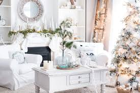 christmas decor in the home 27 easy christmas home decor ideas small space apartment