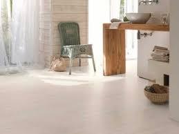 sol vinyle chambre enfant sol pvc salle de bain un revêtement de sol déco bluffant