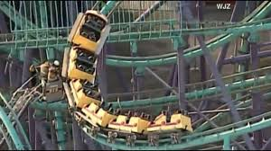 Six Flags Decapitation Two Dozen People Stuck On Rollercoaster At Six Flags America In