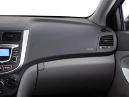 2013 hyundai accent interior 2013 hyundai accent 4dr sdn gls overview roadshow