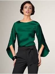 green silk blouse emerald blouse this is a wonderful color and it looks comfy