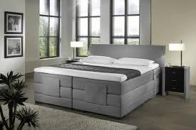 schlafzimmer boxspringbett so wird das schlafzimmer mit einem boxspringbett gemütlich