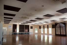 decoration faux plafond salon faux plafond en polyester en panneaux salle des fêtes deco dal