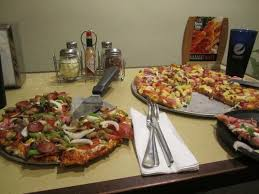 round table pizza hollister ca hearty bacon supreme picture of round table pizza honolulu