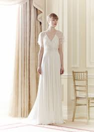 Sample Sale Wedding Dresses How To Decide If Wedding Dress Sample Sale Shopping Is For You