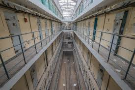 escape from jail u2013 romain veillon