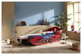 chambre pirate enfant lit enfant bateau de pirate 90x190 200 couleur bordeaux