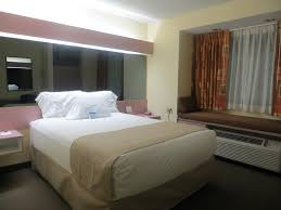 Bedroom Furniture Knoxville Tn by Microtel Knoxville Tn Tn Booking Com