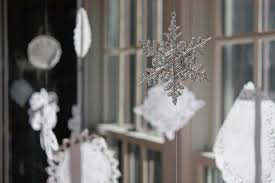 Window Decorations For Christmas Diy by Top 10 Best Window Decoration Ideas For Christmas Top Inspired