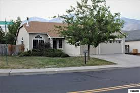 3 Car Garage Homes Reno Homes With A 3 Or More Car Garage For Sale