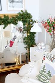 5 simple tips to decorate at the holidays the everygirl