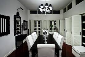 Round Black Dining Table With White Dining Chairs Contemporary - Black and white dining table with chairs