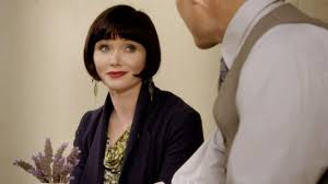 miss fisher hairstyle miss fisher s murder mysteries essie davis as phryne fisher in