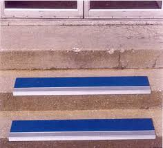 grit surface aluminum stair treads outdoors indoors