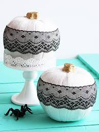 Halloween Centerpieces Quick And Clever Halloween Centerpieces From Better Homes And Gardens