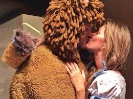 tom brady cowardly lion halloween costume with gisele business