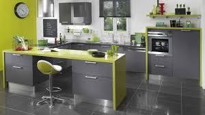 cuisine mur vert pomme idée cuisine mur vert pomme