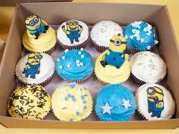 minion cupcake cake minion cupcakes crumbs doilies