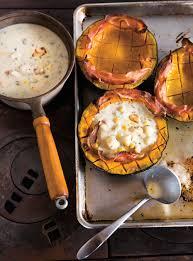 cuisiner courge chaudrée de poulet et de maïs en courge buttercup ricardo