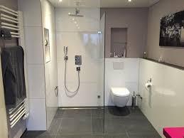 badezimmer ausstellung dã sseldorf 90 besten bad bilder auf duschen wohnen und badezimmer