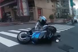 bike crash u2013 the first obligatory motorist motorscribes