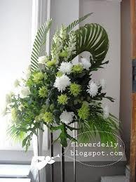 church flower arrangements maundy thursday church flower decoration 2013 flower daily