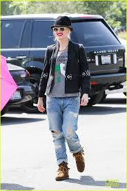 ugg boots sale los angeles 89 best fans images on moccasins cameron diaz