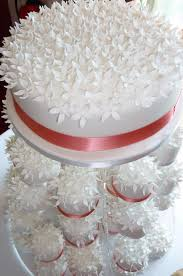 individual wedding cakes individual flower blossom wedding cakes la creme patisserie