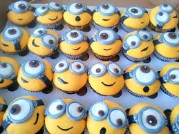 minion cupcake cake minion cupcakes by cake expectations planetminion
