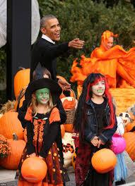 president halloween mask barack michelle obama dance to thriller for last halloween at