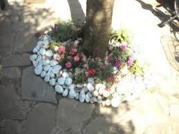 pavimentazione in ghiaia o pavimentazione per il vialetto in giardino