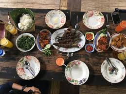 cuisine bu the name of this restaurant is saung makan bu empat