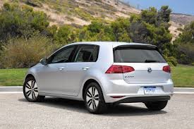 golf volkswagen 2016 car review vw u0027s all electric e golf is as zippy and roomy as gas