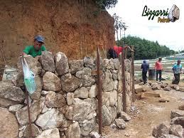 Top BIZZARRI PEDRAS: Passo a passo da construção de um muro de pedra  @YT41
