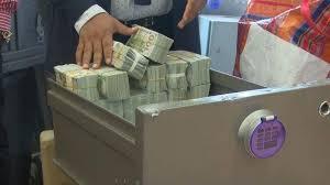 bureau de change nigeria politicians hoarding of dollars responsible for naira s fall