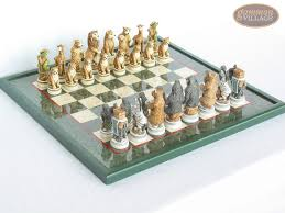 jungle life chessmen with italian lacquered chess board green