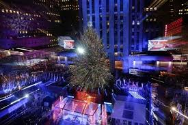 Nyc Tree Lighting Thousands Gather For Nyc Rockefeller Center Christmas Tree