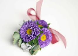 How To Make A Wrist Corsage How To Make A Simple Corsage With Flowers U0026 Succulents
