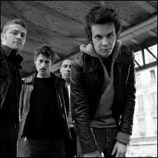 Luke est l'un des rares groupes français de rock à avoir réussi à percer Images?q=tbn:ANd9GcRozEpKDQUu0KDDrnW3YetmDLyPu9ypncf22lBxeYO8W0a06XTkPQ