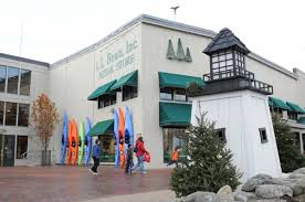 just where can you shop on thanksgiving day in maine lewiston