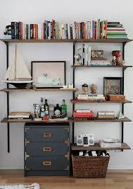 bureau style atelier un bureau style industriel apartment therapy apartments and shelves