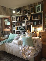 Home Interior Design For Small Bedroom by Best 10 Space Saving Bedroom Ideas On Pinterest Space Saving