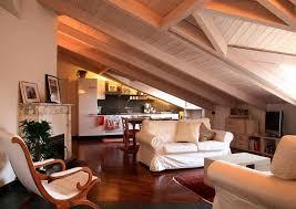 la soffitta palazzo vecchio mansarda con tetto in legno sbiancato foto di tommaso buzzi www