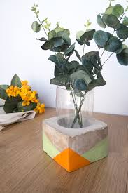 Vase Made From Plastic Bottle Diy Upcycled Cement Vase Using A Plastic Bottle Curly Made