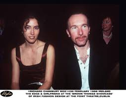 Bono, dressed up like a car crash? - Pagina 22 Images?q=tbn:ANd9GcRp0O5ZCPMIoDm8JN4Y7hKV4AkY_wEFaYHid4f9i0gPUGCgHoaZIr7M5LtB