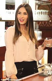 hairstyles for giving birth megan fox returns to tv february 9 to move into new girl loft