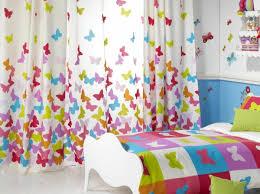 voilage chambre bébé des idées curieuses avec un voilage de chambre enfant archzine fr