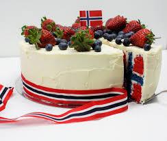 Flag Cakes Flag Cake Norsk Flaggkake 17 E Mai Kake Flaggtårta Dellie